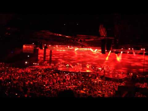 Most heart touching song by sonu.. Sonu nigam live @ Singapore .