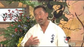 正道会館空手最高師範 角田信朗が見せた瓦割りパフォーマンス 「寸勁」...