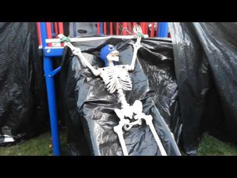 halloween-maze-diy-do-it-yourself-back-yard-how-to-build-vid-2-2015