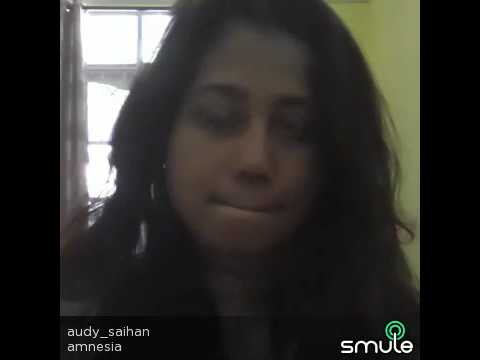 My mom sing amnesia on smule video