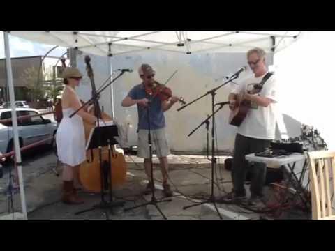 "Flat Creek Trio """"Possum up a gum stump"" Asheville street ..."
