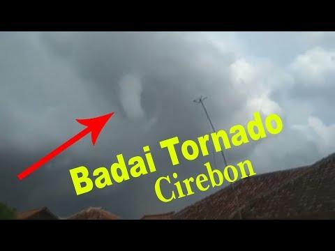 Fenomena Alam !!! Tornado Menghantam Kalianyar Cirebon