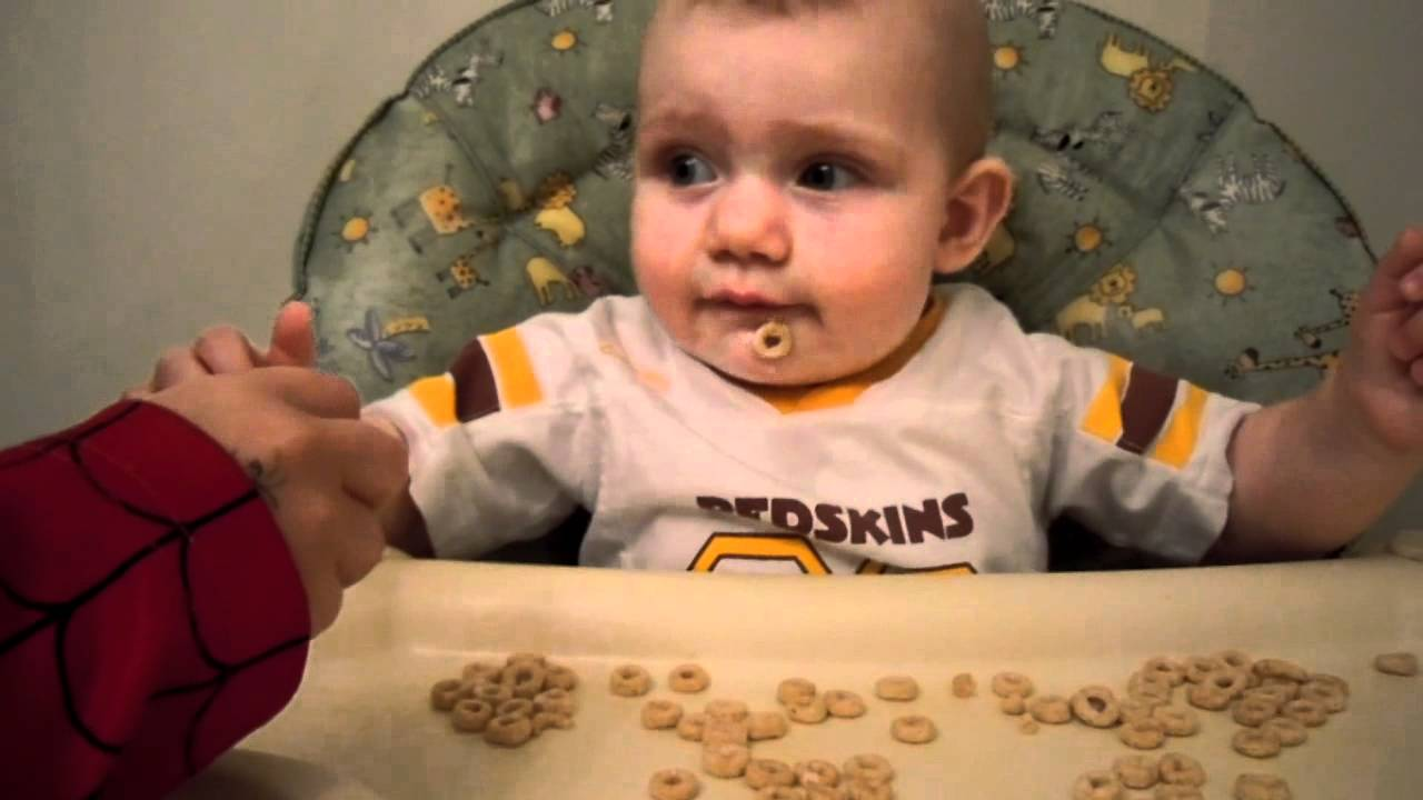 Baby eating Cheerios 7 months old - YouTube