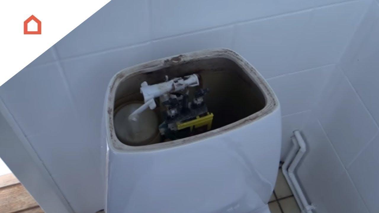 reparation af toilet der løber