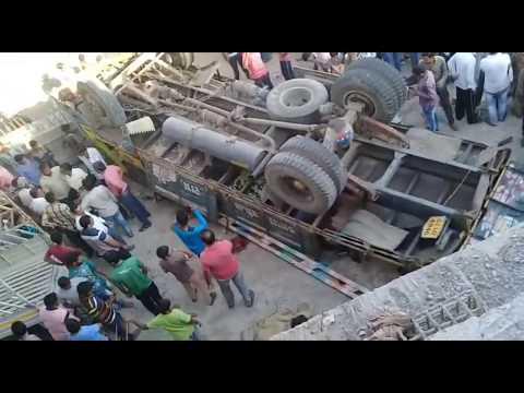 Bhavnagar Rajkot highway Accident Rajkot bhavnagar highway Road accident  near by Ranghoda Sanosara