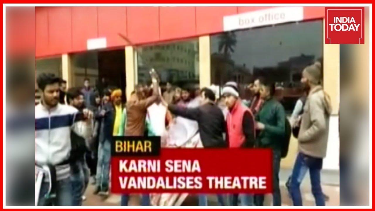 Karni Sena Vandalises Bihar Theatre, Blocks Ahmedabad Road After SC Un-bans 'Padmaavat'