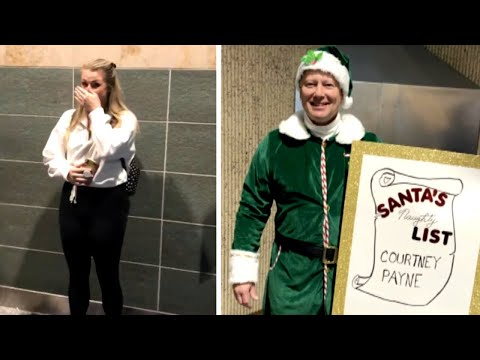Kristina Kage - Dad Makes Hilarious Signs for Picking Daughter Up at Airport