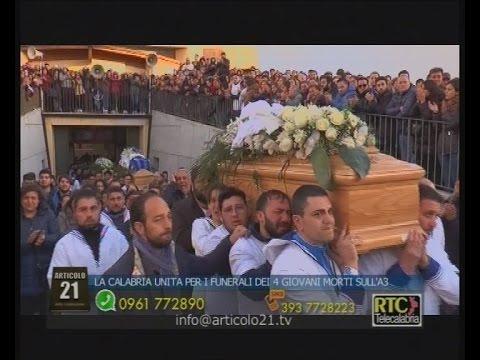 Articolo 21 di Lino Polimeni del 07 marzo 2016 - Gioia Tauro, i funerali dei 4 ragazzi morti sull'A3