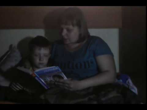 Изображение предпросмотра прочтения – ИринаВохминцева читает произведение «Что такое хорошо и что такое плохо» В.В.Маяковского