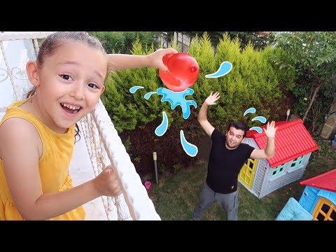 Babama Sulu Şaka!! Dad Joke with Water Balloons Kids Family fun - Oyuncak Avı Öykü
