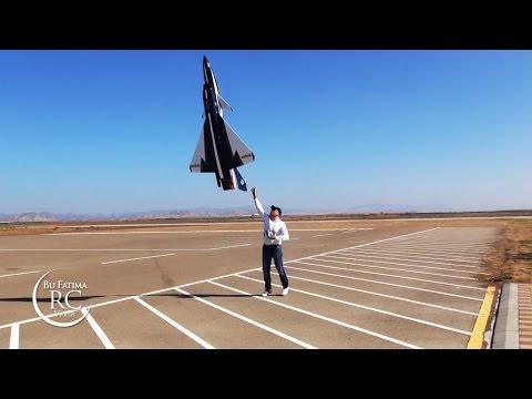 Cpt. Waleed Salah Flying  J 10 - UAE Top Jet 2014