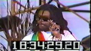 Watch Peter Tosh Steppinrazor video