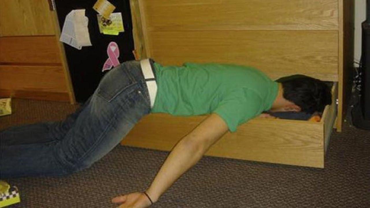 Открытки для, смешная картинка спящего мужика