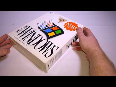 Unboxing Windows 3.1 & Installing On A Vintage Laptop ( 1995 Toshiba 2150 CDS )