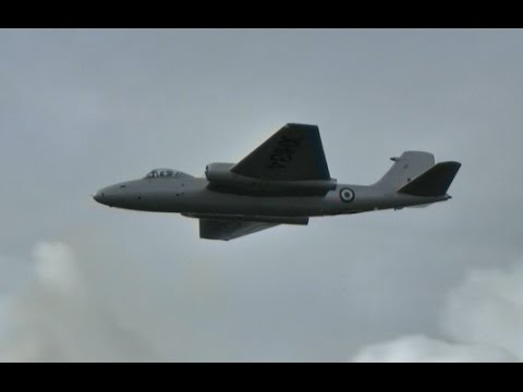 Canberra fast flypast - Rolls Royce Avon jets - best played LOUD!