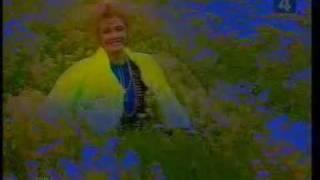 Екатерина Шаврина - Васильковое поле(Необыкновенно красивая песня! http://www.bestpeopleofrussia.ru/persona/1162 - голосуем за Екатерину Шаврину!, 2009-10-16T17:22:41.000Z)