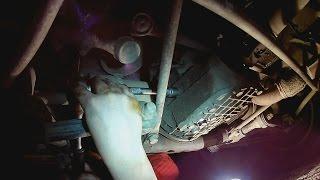 видео Замена масла в двигателе ВАЗ 2106, а также масляного фильтра