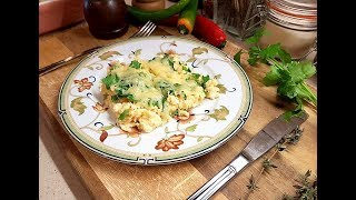 Учусь готовить яичницу с сыром по рецепту повара  из мешленовского ресторана!
