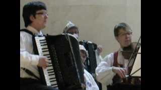 Ukuaru valss. Juta Ross (Laugesaar) ja Margus Laugesaar 05.05.2012 Keila Muusikakooli saalis.