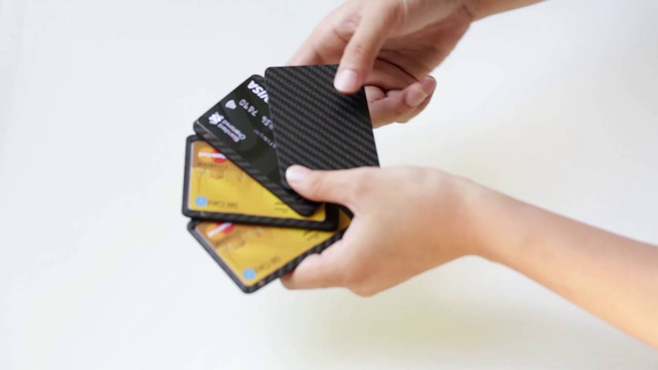 the best attitude 49571 2c253 How to play with PITAKA Cardholder