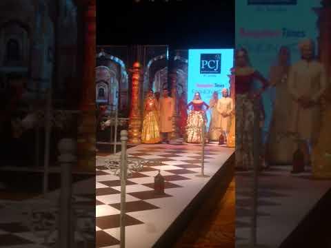 Sridevi ramp walk in bangalore.(1)