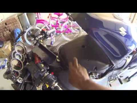 hqdefault air filter change on 2008 gen 2 suzuki hayabusa youtube 2003 suzuki hayabusa fuse box location at fashall.co