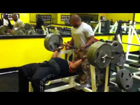 600 Lbs Bench Press Youtube