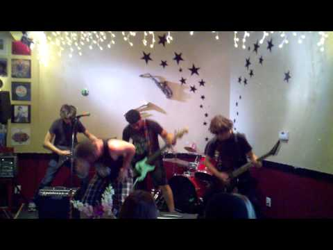 EastDear Park- I dont like you @damascus music cafe