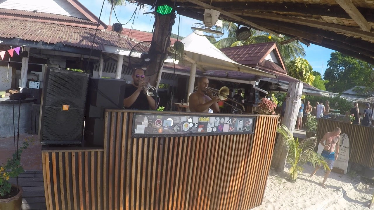 IMT - Foreign Language at Maya Beach Club, Koh Tao
