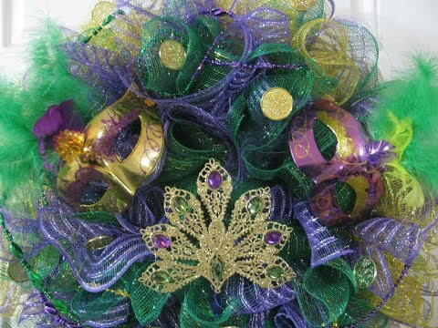 Part 1 Mardi Gras 2019 Wreath