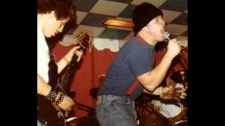 Suicidal Tendencies - Suicidal Failure (Jan 23,1983) HUNTINGTON PARK RICK BATTSON ON GUITAR