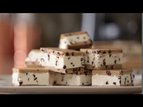 How to make homemade ice cream cake with sandwiches