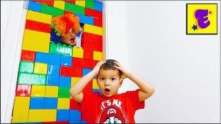 Малыш ЕГОРКА и Карлос Построили Стену из ОГРОМНОГО ЛЕГО...