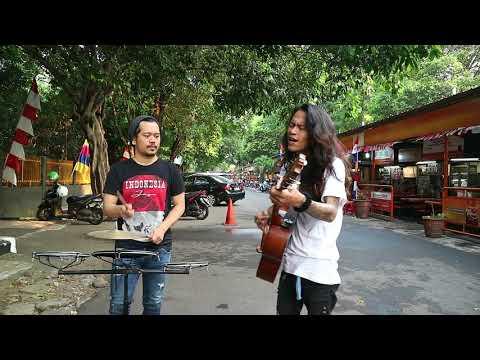 Sumpah Kren !!! Pengamen cover Lagu SUNDA Daerah