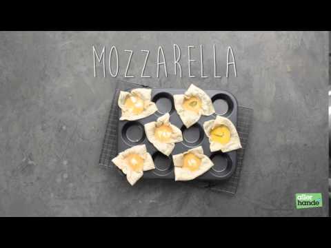 Mozzarellahapjes uit een muffinvorm - Allerhande
