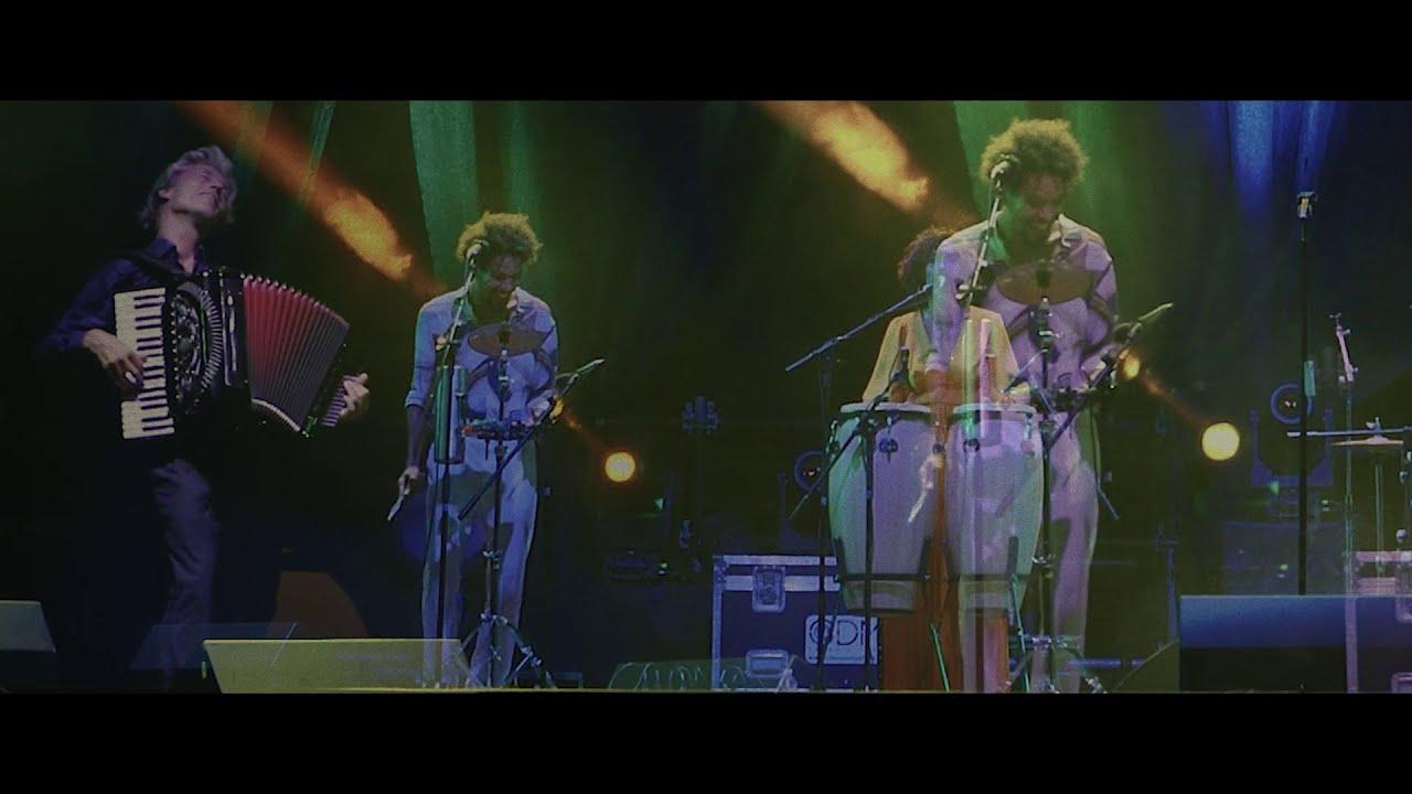 AYOM - Kikola (live)