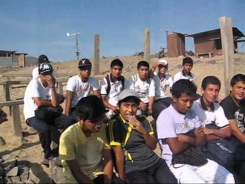 Estudiantes Garciences en Centro del Rescate del Pingüino de Humboldt-Puerto Eten