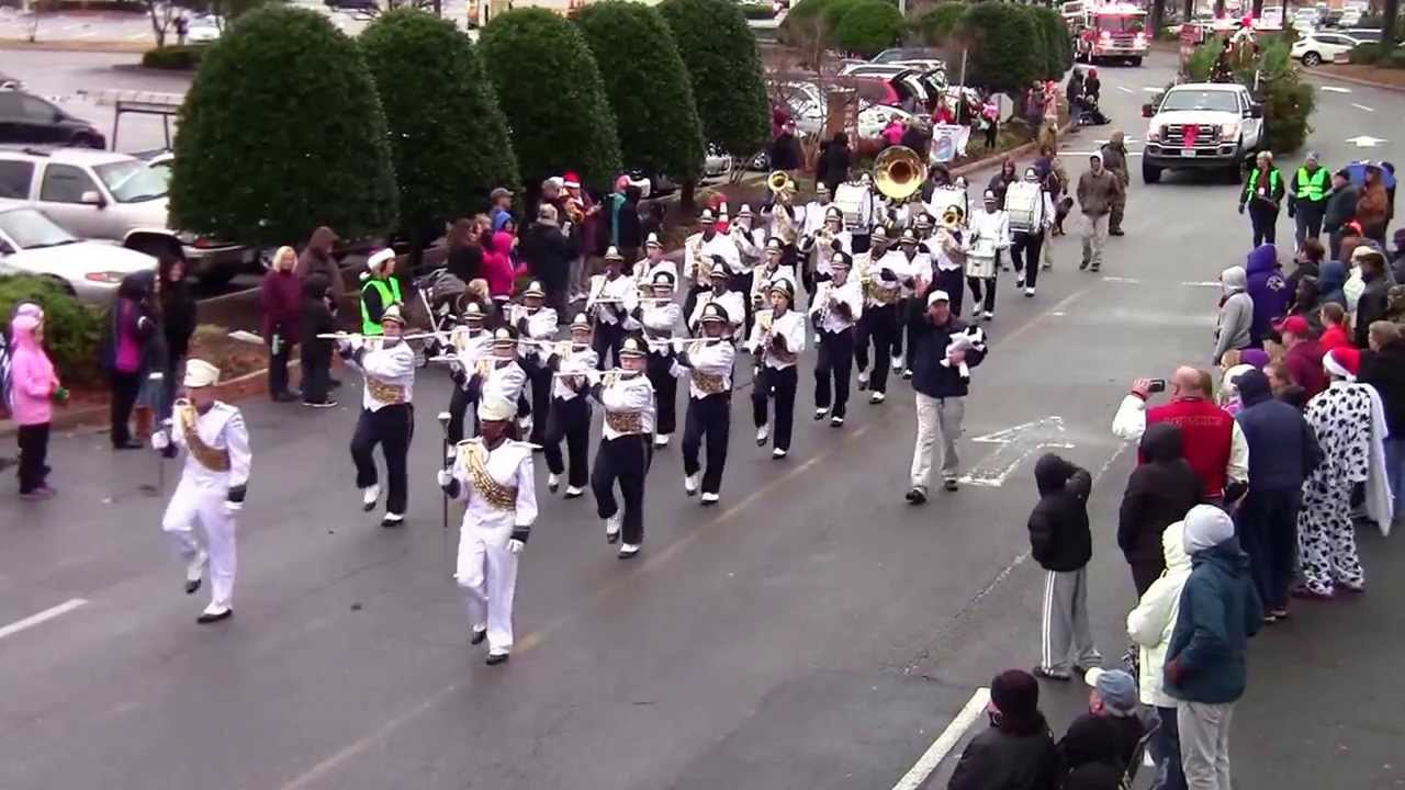 2013 Chick-Fil-A at Chesapeake Square Christmas Parade - YouTube