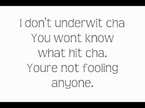 Ke$ha -Boy Like You- Lyrics On Screen
