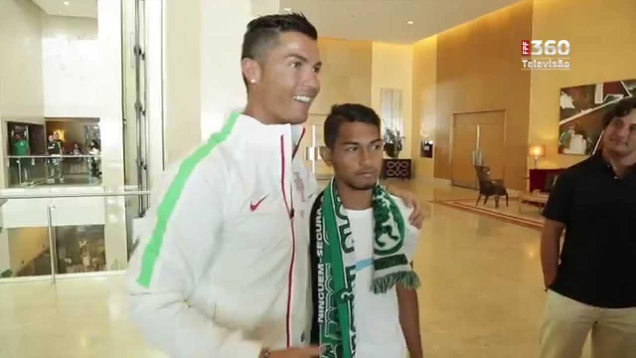 Tsunami survivor Martunis meets hero Cristiano Ronaldo at Portugal training