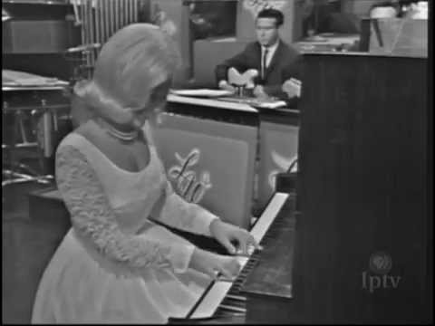 """Hello, Dolly!"" - Jo Ann Castle (1964) on the Lawrence Welk Show"