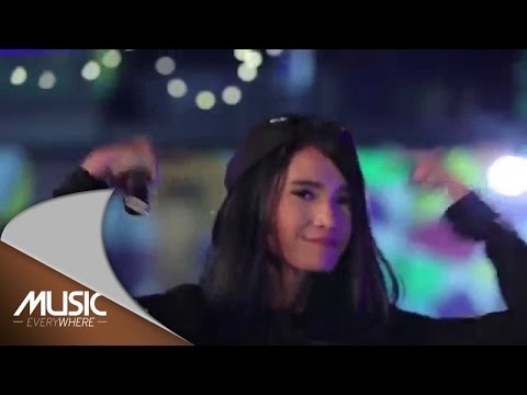 Adila Fitri - High Heels Snapback (Live at Music Everywhere) *