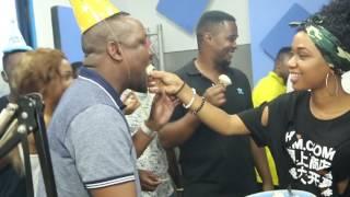 harmonize amfanyia surprise Gadner g Habash ndani ya kipindi chake cha Jahazi Clouds FM