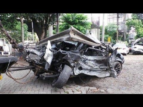 Video Amatir Kecelakaan Dul ( Putra Ahmad Dhani ) di Tol Jagorawi