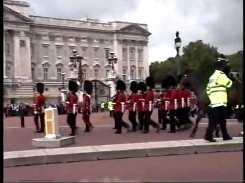 London 2001 9 12 Changing Of The Guard Youtube