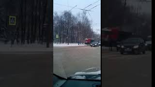 КамАз снес светофор