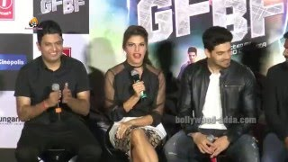 Movie GF BF(2016) : Jacqueline Fernandez Sing LIVE On Stage!!!