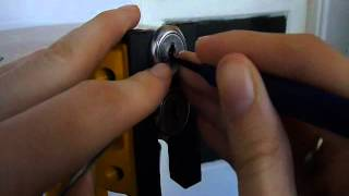Picking 2 Double Sided Wafer Cam Locks