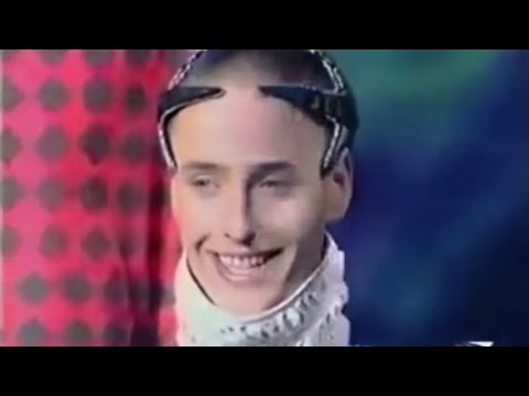 weird russian singer chum