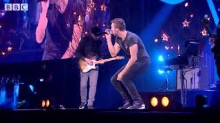 Coldplay   A Sky Full Of Stars at BBC Music Awards 2014 clip2